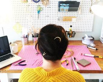 Hair Pin // Minimal Jewelry // Delicate & Dainty
