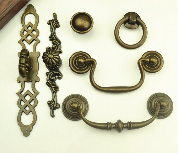 Vintage Drawer Pulls Handles Knobs Pulls Drop Antique Bronze