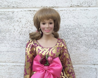 """HALF PRICE!! Vanna White Porcelain Doll, """"From Vanna with Love"""", Sculpted by Joyce Christopher, Clothing - Nolan Miller, Mint in Box, COA"""