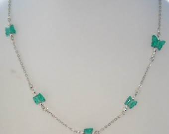 """Green Glass, Butterfly Beaded Necklace  16"""""""