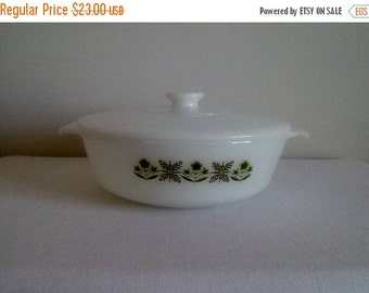 Vintage Casserole Dish//Anchor Hocking Dish//Fire King Dish//Casserole Dish