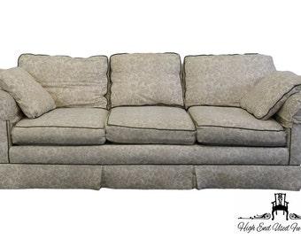"SOUTHWOOD 89"" Traditional Rolled Arm Three Cushion Sofa"