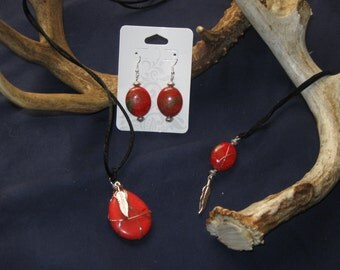 Red necklacewith silver feather and earrings set