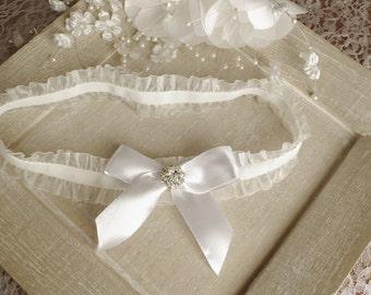 WHITE Wedding Garter Toss Garter  Pearl Bridal Garter Bridal Lingerie Luxury Bridal Garter Gift Tulle Rhinestone  Garter Organza garter