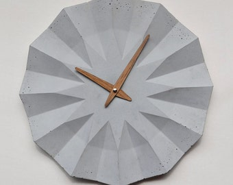 POLYGON wallclock by MOHA design