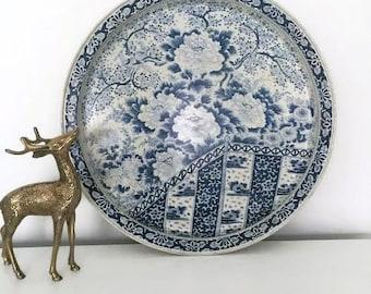 Ming Blue and White Tin Tray - Blue and White Chinoiserie Decor - Ming Tray - Decorative Tin Tray -Round Vintage Tray-Round Metal Tray Decor