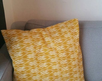 Pillow case graphic print mustard yellow