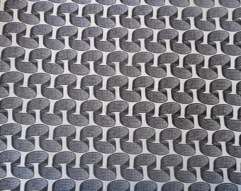 """35"""" Black and white pattern Fabric Remnant/End of Bolt 888"""