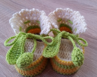 Crochet Baby Booties, baby booties, baby shoes, handmade booties for baby, multicolored booties, crochet newborn booties, ready to ship