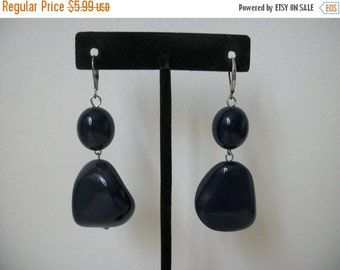 ON SALE Vintage Dark Navy Blue Chunky Earrings 862