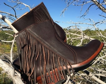 Handcrafted leather ankle boots with fringe