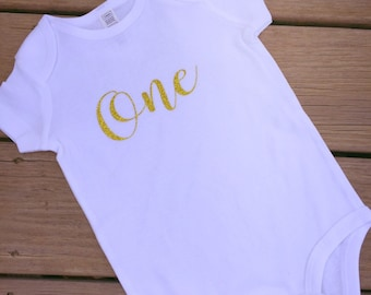 Personalized one glitter bodysuit. Perfect for birthdays, smash cake sessions, first birthday bodysuit, First birthday outfit