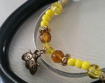 Osun bee stethoscope ID charm. Orish accessory. Nurse vet doctor. Santería Lukumi Ifá Yoruba. Oshun, yellow stethoscope ID charm. Bee charm.