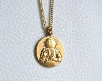 Astonaut necklace