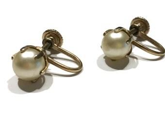 Vintage faux pearl screw back earrings simple elegant jewelry