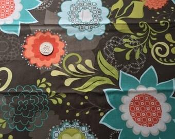 Studio e Floral fabric in brown