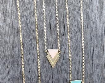 Double arrow stone charms