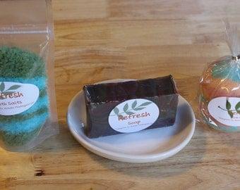 Refresh Gift Bag - Soap, bath bomb, soaking salts
