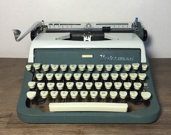 Vintage Typewriter; Underwood Ace Portable Typewriter; Working Typewriter; Typewriter With Case; Underwood Typewriter