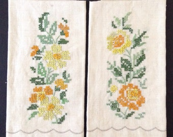 Set (2) Vintage Hand Embroidered Cross Stitched Guest Towels
