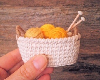 Miniature Oval Crochet Basket with Handles, Doll House Knitting Basket, Doll Basket, Gift for Women, Cozy Home Decor, Shabby Chic Basket