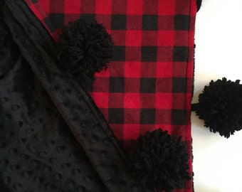 Buffalo plaid pom pom blanket