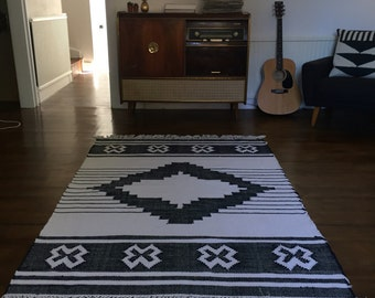 Kilim rug hand made aztec design
