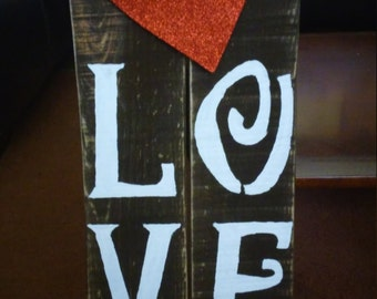 love wooded sign