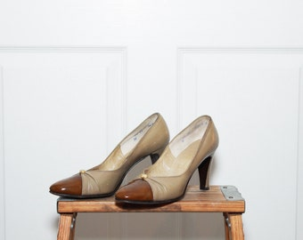 Vintage 1950s Beige Patent Leather Pumps, Valley Shoes *as is* / 6.5
