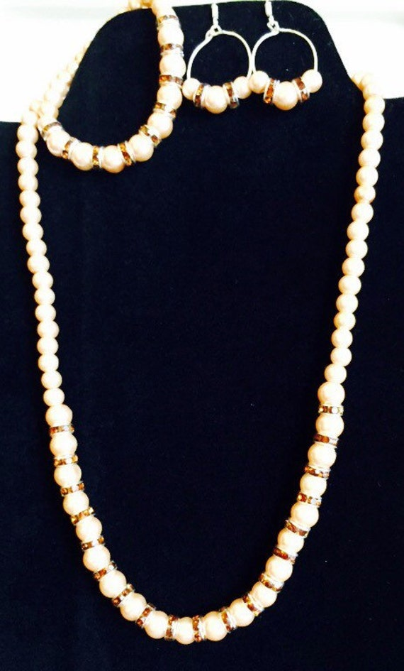Pearl necklace jewelry set, pearl necklace set, jewelry sets, pearl jewelry set, necklace sets, beaded necklace sets, beaded jewelry sets,