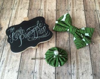 Green roses bobby pin set