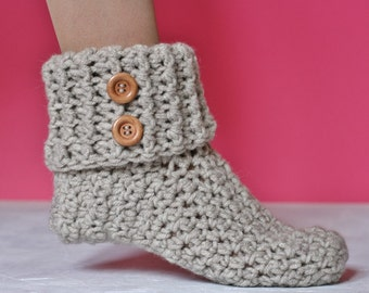 PDF Crochet Pattern for beginners - Chunky slippers. Size 7-8 (USA women), 38-39 (Europe). Writen in US terms