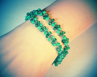 Dainty Czech beaded jump ring bracelet