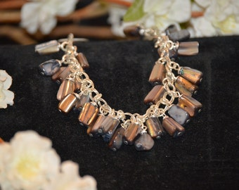 Shell bead bracelet