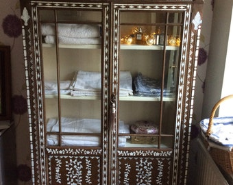 Moroccan style glazed cabinet/Bookcase