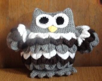 Beuatiful plush fethered owl