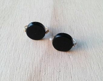 Minimalist black agate/ Handmade black ring/ Handmade circle agate ring