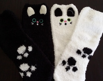 Super adorable, fluffy cats socks. Available in white only!