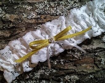 White Wedding Garter, Bridal Garter, Gold Wedding Garter, Swarovski Wedding Garter, Satin Ribbon Garter, White Pearls Wedding Garter