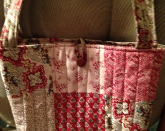 Tan/Berry Patchwork Quilt Tote