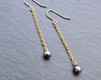 Long Gold & Peacock Pearl Drop Earrings - Dark blue/black freshwater pearl and gold chain hook wire earrings