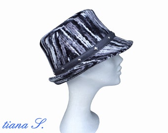 Hat with studs, black and white, size S
