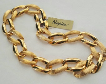 NAPIER necklace