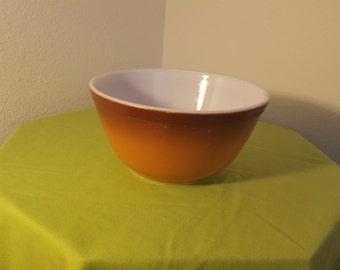 Vintage Pyrex 402 Old Orchard 1.5 qt Nesting Bowl