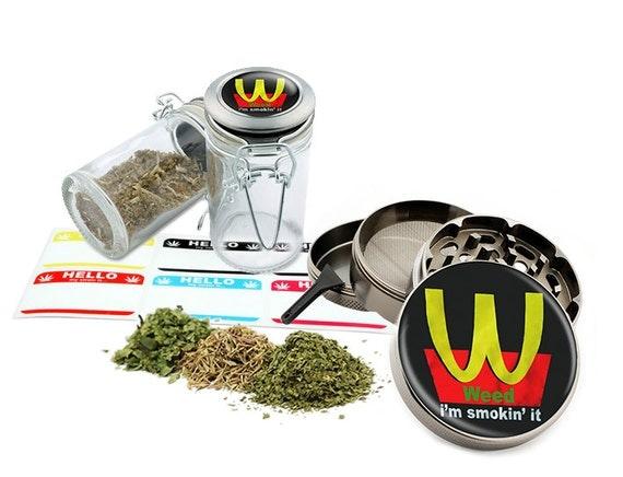 "I'm Smokin' It - 2.5"" Zinc Alloy Grinder & 75ml Locking Top Glass Jar Combo Gift Set Item # 50G102015-30"