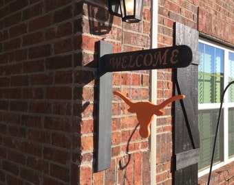Texas longhorn welcome sign