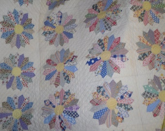 Vintage quilted 82 X 102 quilt with straight edges
