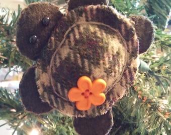 Turtle Ornament w/orange button