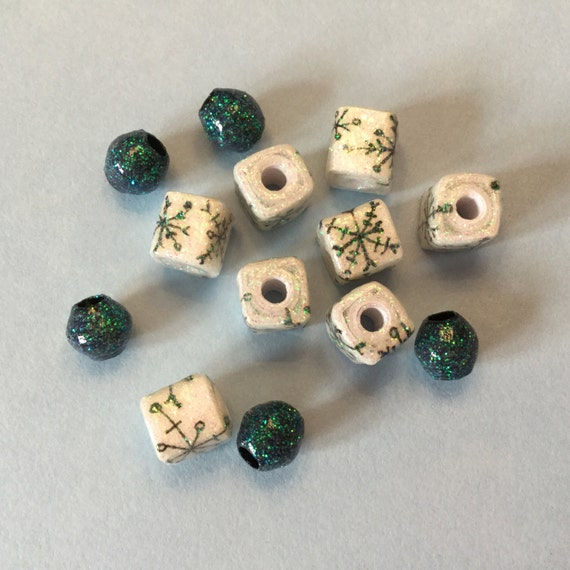 Snowflake Cube Paper Beads