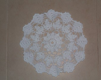 Large Leaf Doily